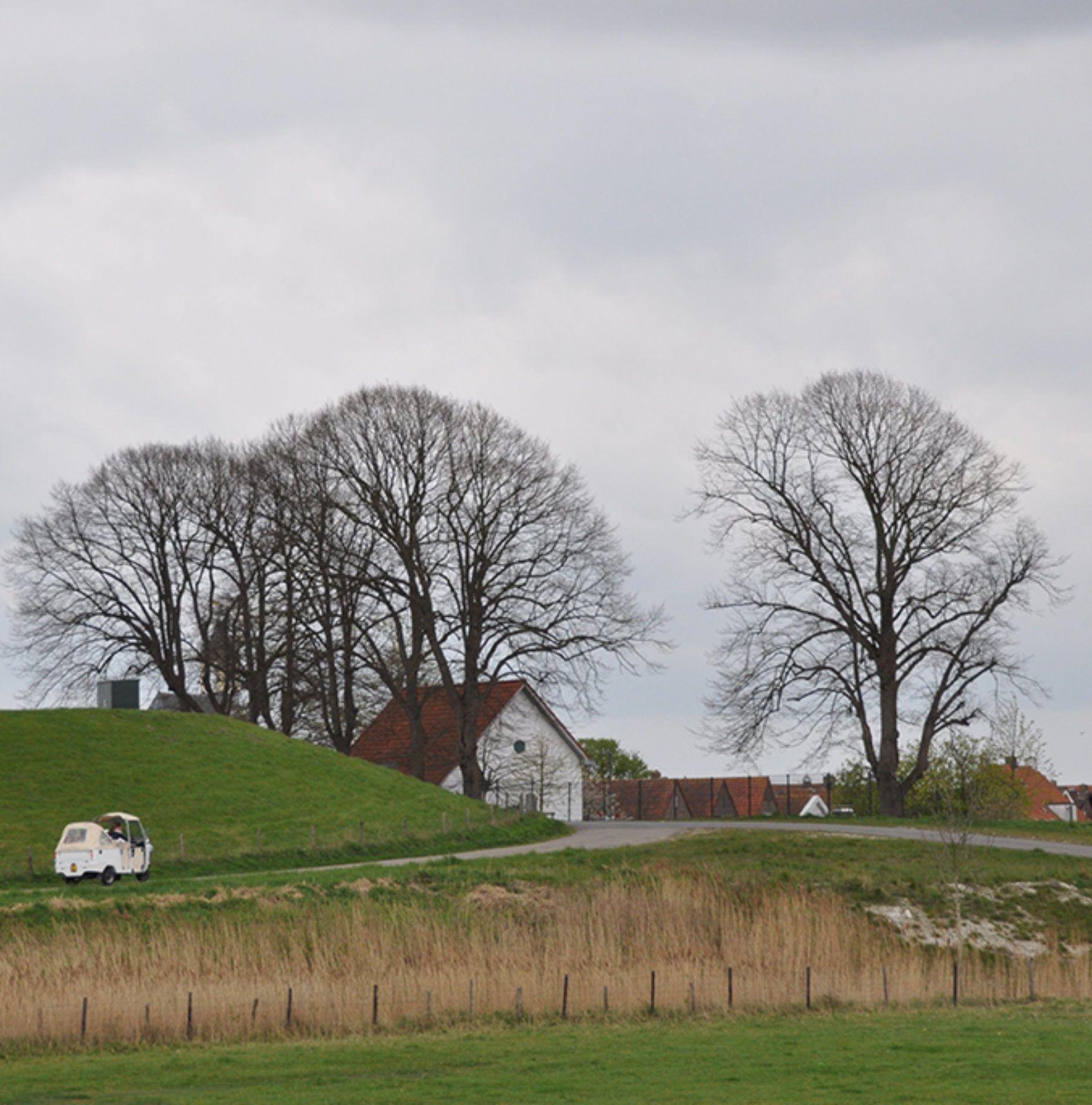 Tuk_bij_dijk_Hoedekenskerke
